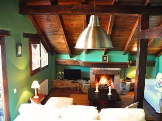 Romantic Chalet Duplex with a fireplace and spectacular mountain views. - El Tarter vacation rentals