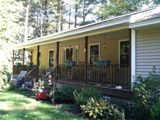Quite Home..mins from Long & Short Sands Beaches - Cape Neddick vacation rentals