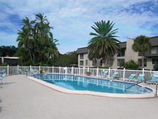 Bardmoor Condo with Pool / Hot Tub / Tennis / Golf - Seminole vacation rentals