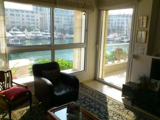THE ISLAND 2/3 bedroom apartment on the sea - Herzlia vacation rentals