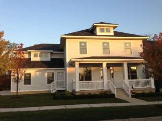 Grand Colonial on the Iowa River - Iowa City vacation rentals