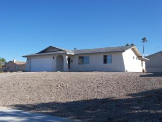 LAKE HAVASU HOME, LARGE LOT, RV PARKING - Lake Havasu City vacation rentals