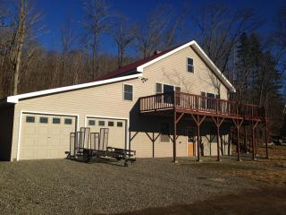 Portage lake home with lake views!!! Sleeps 5!!! - Portage vacation rentals