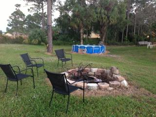 SPACIOUS 5TH WHEEL ON OUR OPEN LAND - Loxahatchee vacation rentals