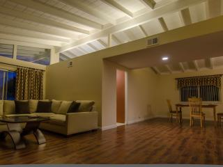Vacation House Near Disneyland & Convention Center - Garden Grove vacation rentals