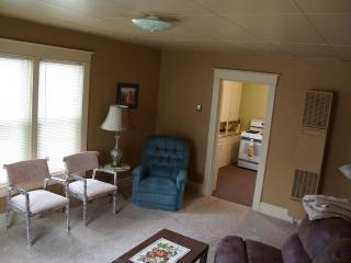 Conveniently close to EAA Grounds and Downtown - Oshkosh vacation rentals