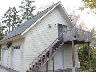 Down East Studio with Woodland walks and Beach! - Gouldsboro vacation rentals