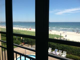 Oceanfront 1BR Condo with Beautiful Outdoor Pool - Southern Coast vacation rentals