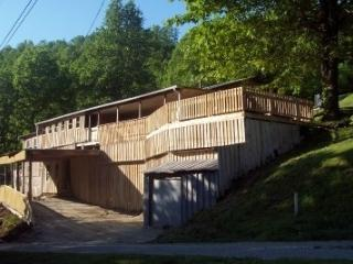 Lake-Views,BoatRamp, Walk to water, - Tennessee vacation rentals