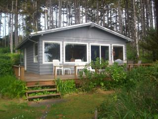 BEAUTIFUL TWO BEDROOM COTTAGE ON THE BEACH! - Seal Rock vacation rentals