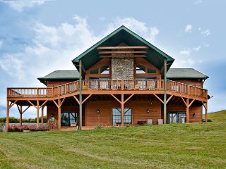 20% OFF 2 MASTER BDRMS/2 FIREPLACES + VIEWS & SPA - Waynesville vacation rentals