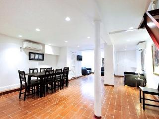 Midtown Duplex 4 Bed 2 Bath with Private Garden - Manhattan vacation rentals