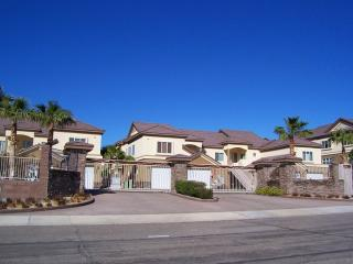 Condo-3Br Plus Den 2nd Floor Gated Community-Views - Arizona vacation rentals