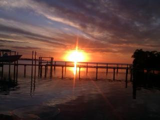 Gulf Front Beauty 6 Week Minimum - Tarpon Springs vacation rentals