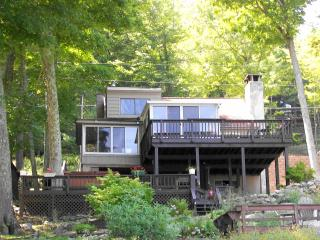 Big Woods OPEN VIEWS WATERFRONT Lake Wallenpaupack - Greentown vacation rentals