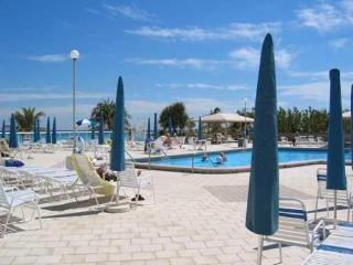 OCEAN BEACH FRONT FULL SERVICE BUILDING - Hallandale vacation rentals
