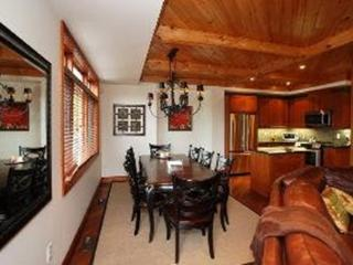 Stylish 3 bedroom chalet overlooking the mountains - Collingwood vacation rentals