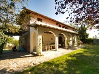 Kid friendly villa with pool in Tuscany - Arezzo vacation rentals