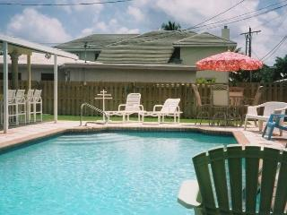 Lovely Tri-Level Home in E Boca 3/4 Mile to Beach - Boca Raton vacation rentals