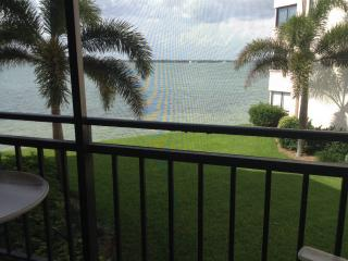 Isla del Sol Golf & Country Club on Boca Ciega Bay - Saint Petersburg vacation rentals