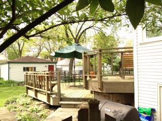 Lovely Three-bedroom home nine miles from Chicago - Oak Park vacation rentals