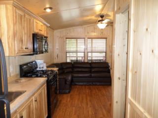 2 Bdrm Cottage on Resort in Geneva-on-the-Lake! - Ohio vacation rentals