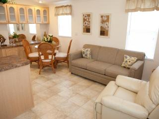 Cute 1 Bedroom Cottage on RV Resort in Naples! - Naples vacation rentals