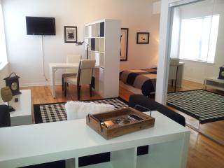 1 step from Lincoln  Studio sleep 2   Free WI Fi - Miami Beach vacation rentals