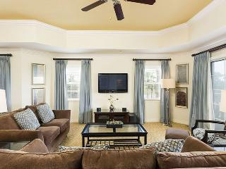 3 Bed Luxury Condo 6 Miles to Disney! - Kissimmee vacation rentals