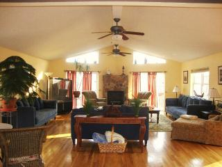 Beautiful Spacious Home - Bushkill vacation rentals