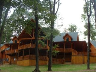 Majestic Oaks Lodge - Ohio vacation rentals