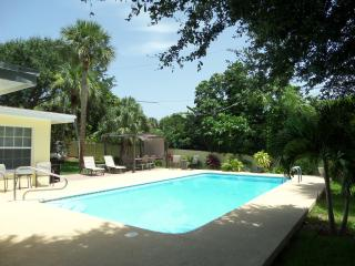 Island Living One Block From The Ocean Beaches - Vero Beach vacation rentals