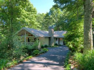 Three bed vacation rental in Highlands, NC. All on one level. Located in Highlands Falls Country Club - Blue Ridge Mountains vacation rentals