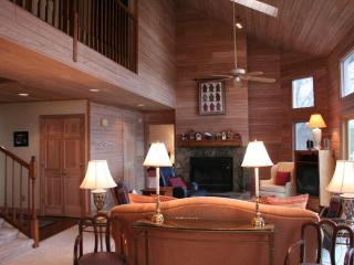 Walk to Town and Great Mountain Views! Stunning 3 bed vacation rental in Highlands, NC! - Highlands vacation rentals