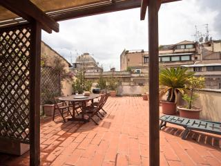 Sunshine, roof terrace over the Ghetto - Rome vacation rentals