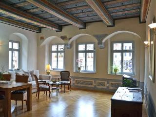 Vacation Apartment in Pirna - high-quality furnishing, historic (# 5175) - Pirna vacation rentals