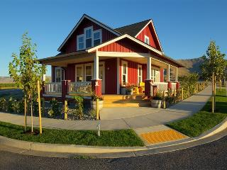 Maison Rouge - North Cascades Area vacation rentals
