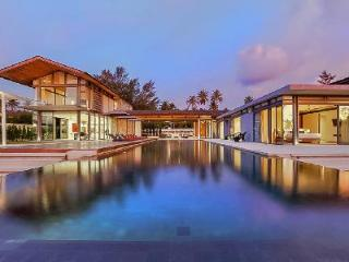 Beachfront Cielo 3 at Sava Villas- chic outdoor lounge with saltwater pool - Phang Nga Province vacation rentals