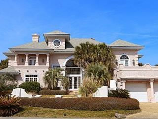 Waterfront Mediterranean Estate. Perfect for small weddings, family reunions, and romantic getaways - Wrightsville Beach vacation rentals