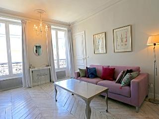 Victoria - A Romantic Paris Apartment two blocks from the Seine - Paris vacation rentals