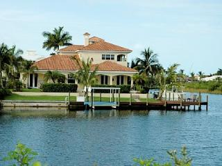 Luxury 5 bedroom villa with large heated pool. - Cape Coral vacation rentals