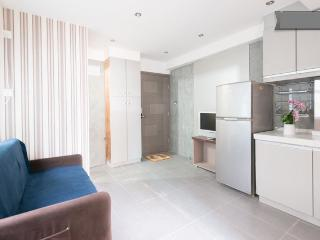 Nice Apt (HD2) in Wanchai - Hong Kong Region vacation rentals