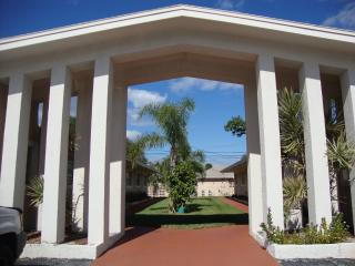 1BR-end unit Condo - Walking distance to the beach - Cape Canaveral vacation rentals