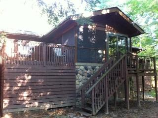 Streamside Log Home Retreat - Family and Hypo - Bushkill vacation rentals