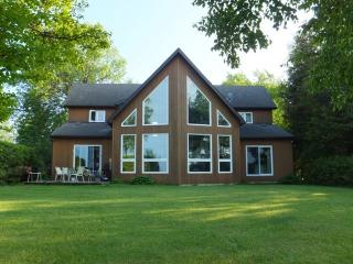 Collingwood Waterfront Luxury Custom Built Home - Collingwood vacation rentals