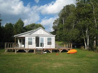 Lake front get away - Portage vacation rentals