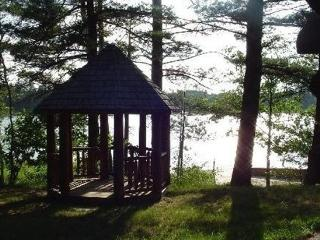 Lakeside Log Home - Northeast Michigan vacation rentals