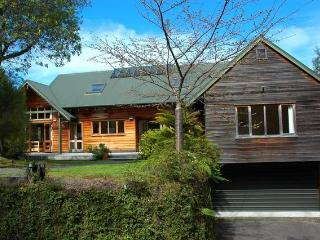 Whakamoenga Point - Acacia Bay Holiday House - Taupo vacation rentals