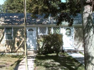 Five Beaches 'Cottage', 3 BR, 2 Kitchen, 2 Bath - South Yarmouth vacation rentals