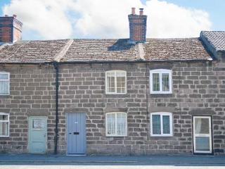BOBBIN COTTAGE, romantic cottage, WiFi, rural views, terraced cottage in Cromford, Ref. 30581 - Cromford vacation rentals